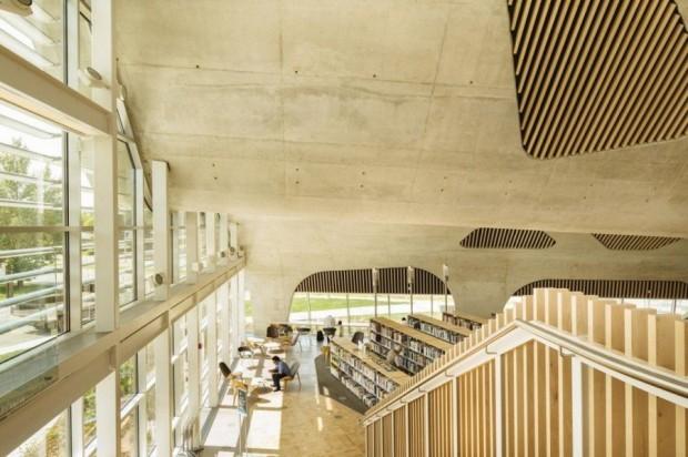 Fütüristik Kütüphane Tasarımı